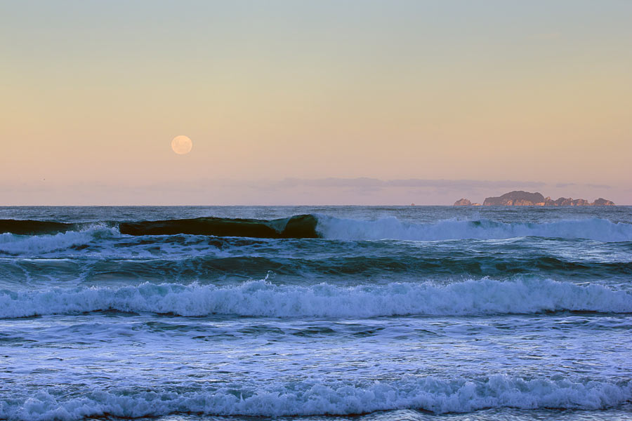Full Moon in New Zealand by Virochana