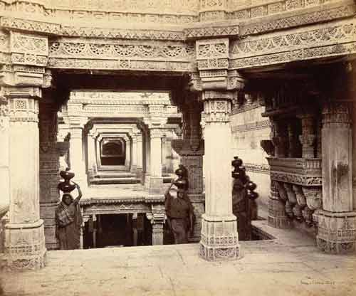Photo by Colin Murray, 1872 of women fetching water at the Rudabainivaav, Adalaj. Source: British Library Archives